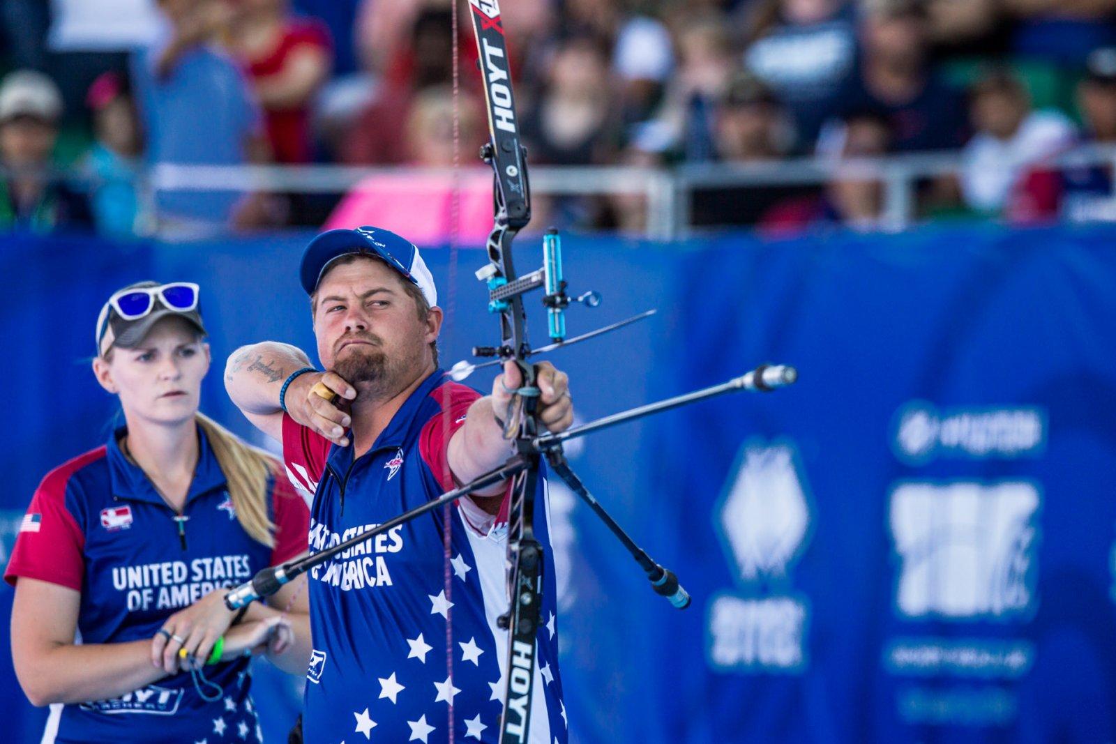 Recurve Target Bows | Hoyt Archery